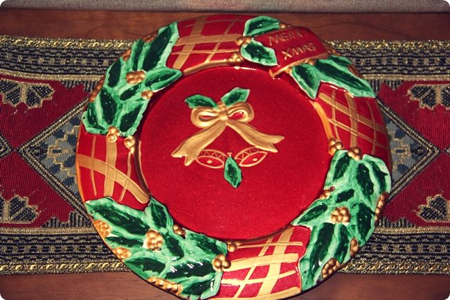 red Merry Christmas plate