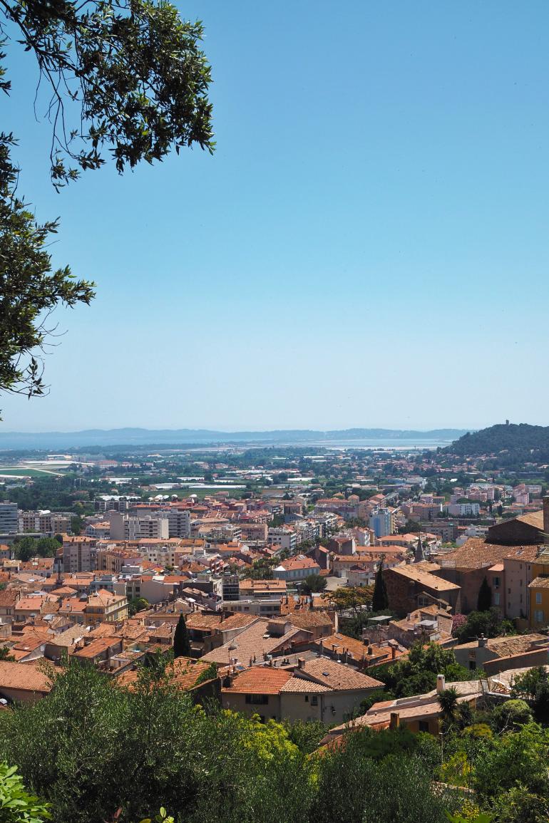Panorama de la ville de Hyères depuis la villa Noailles