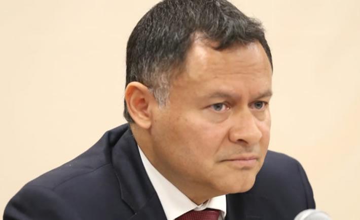 El Subsecretario de Industria y Comercio de la Secretaría de Economía (SE), Ernesto Acevedo, en conferencia de prensa habló de las acciones que emprenderá el gobierno federal para el impulso de la política industrial de México. (Foto: Cortesía SE).