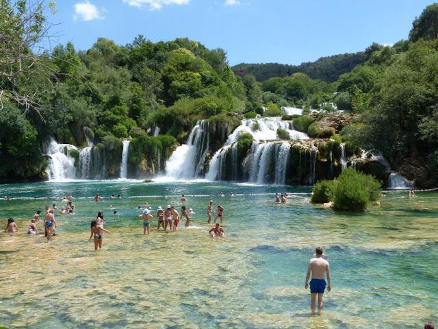 Kroatien Rundreise Camping Zelten Campingtrip Individual reisen Urlaub Sommer Dalmatien Krka Wasserfälle Nationalpark