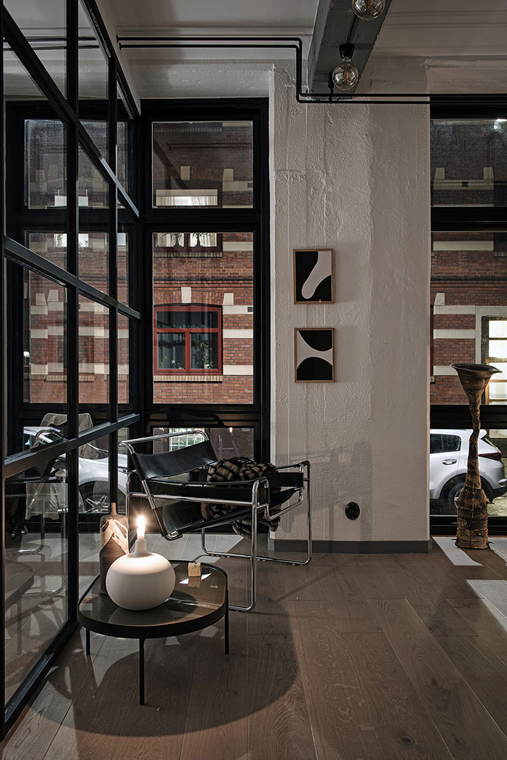 ... With Modern Industrial Design, High Open Windows Up To The Ceiling,  Exposed Brick Walls, Concrete Beams And The Magic Atmosphere Of New Yorku0027s  Lofts.