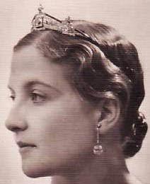 Sapphire Tiara Countess Paris Isabelle France Mellerio