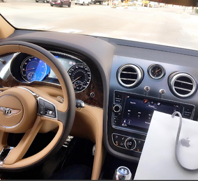 What recession? Nigerian man drives his N200m Bentley Bentayga to buy a $700 iPhone 7 (Photo)