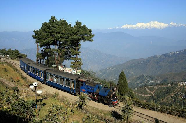 1-Darjeeling-Himalayan-Railway