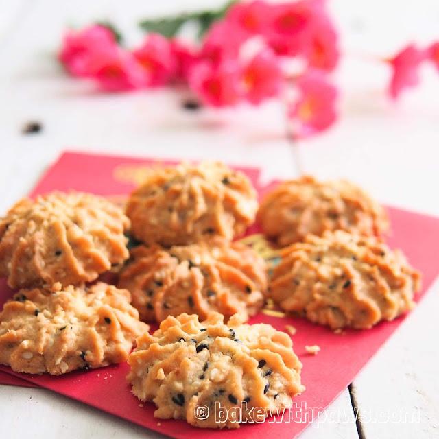 Crunchy Sesame Seed Cookies