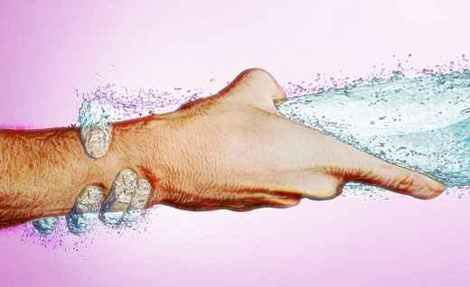 كمية السوائل، مكونات الجسم، فقدان السوائل،  طريق العرق، أثناء الصيام، ارتفاع درجات الحرارة، الامتناع عن الشرب، جفاف الفم،  البول، الصداع، جفاف الجلد، عدم التعرق، صيام صحي، القهوة و الشاي،  السوائل فى الجسم