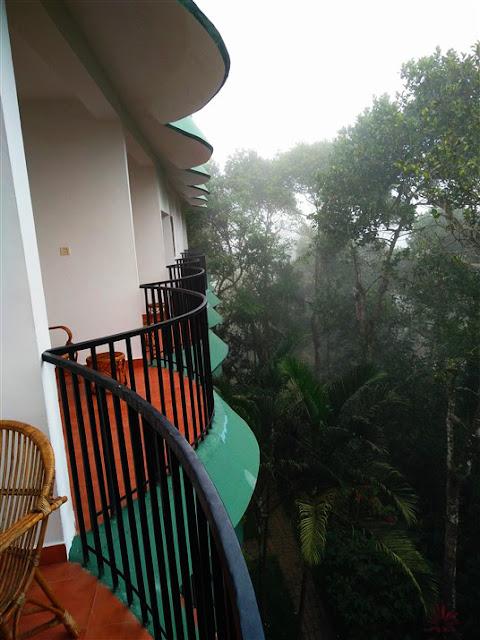 chrissies hotel thekkady kerala travel blog