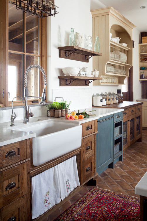 Superieur 11 Stunning Farmhouse Kitchens That Will Make You Want Wood Cabinets