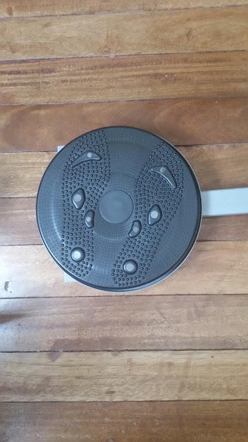 A movable circular abdominal circular machine