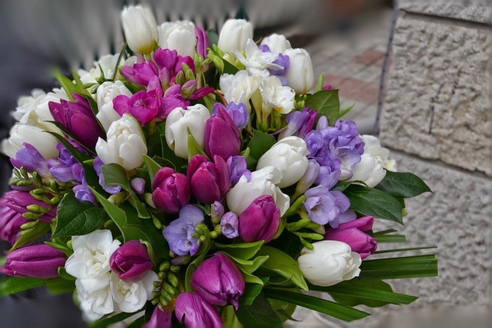 Anamaria Grama Design Floral Aranjament Floral Cu Lalele Albe