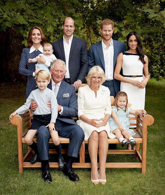 Nowe zdjęcia rodziny z Cambridge wydane z okazji 70. urodzin księcia Karola