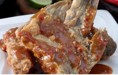 Resep dan Cara Memasak Ikan Gurami Goreng Siram Saus Tauco