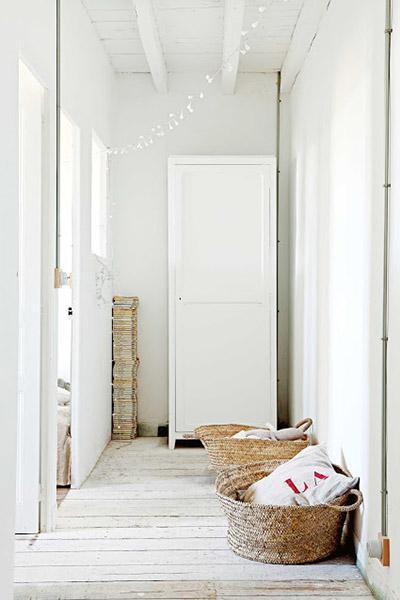 couloir chambre blanc bois fibres naturelles