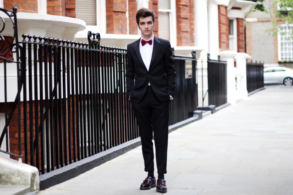 BLOG-MODE-HOMME-STYLE-MASCULIN_bal-promo-gala-fin-d-année-tenue-soirée-costume-elegant-chic-habillee-comment