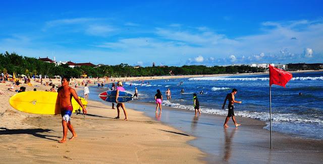 Wisata Pantai Kelas Internasional di Kuta Bali