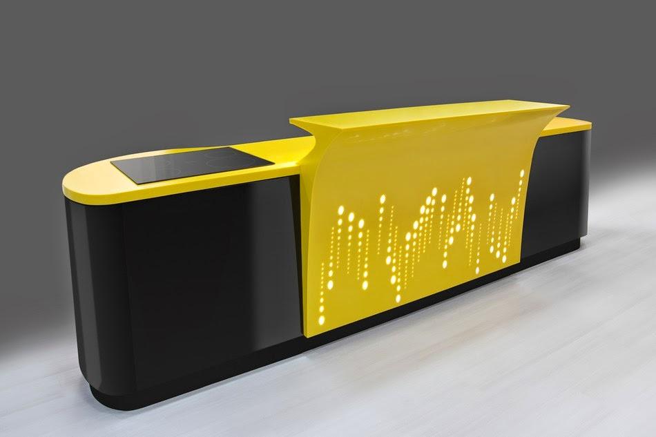 balcão da cozinha amarelo