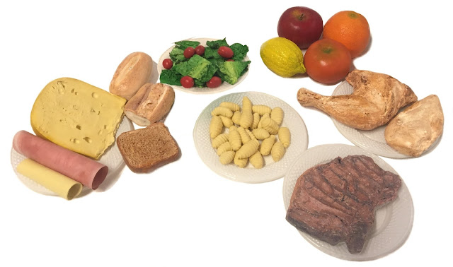imitacion de alimentos, reproduccion de quesos y fiambres, maquetas de alimentos, imitacion de quesos, imitacion de jamones, réplica de alimentos, quesos de telgopor