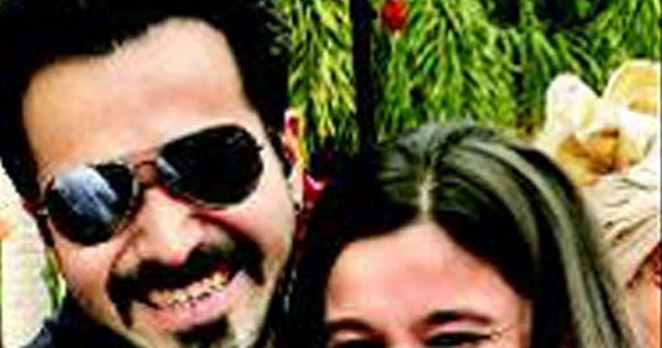 relationship between pooja bhatt and emraan hashmi