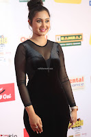 Vennela in Transparent Black Skin Tight Backless Stunning Dress at Mirchi Music Awards South 2017 ~  Exclusive Celebrities Galleries 095.JPG