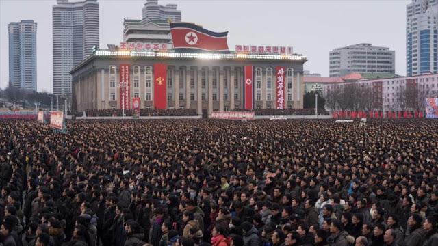 Norcoreanos se movilizan en apoyo a su líder ante amenazas de EEUU