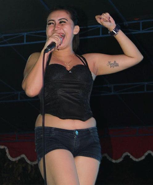 Della Santika