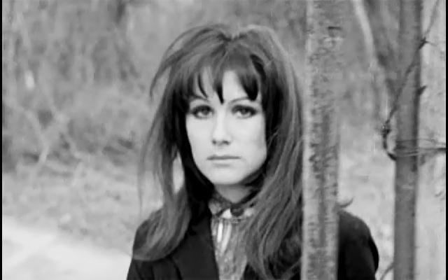 Just Screenshots: The Rape of the Vampire (1968)