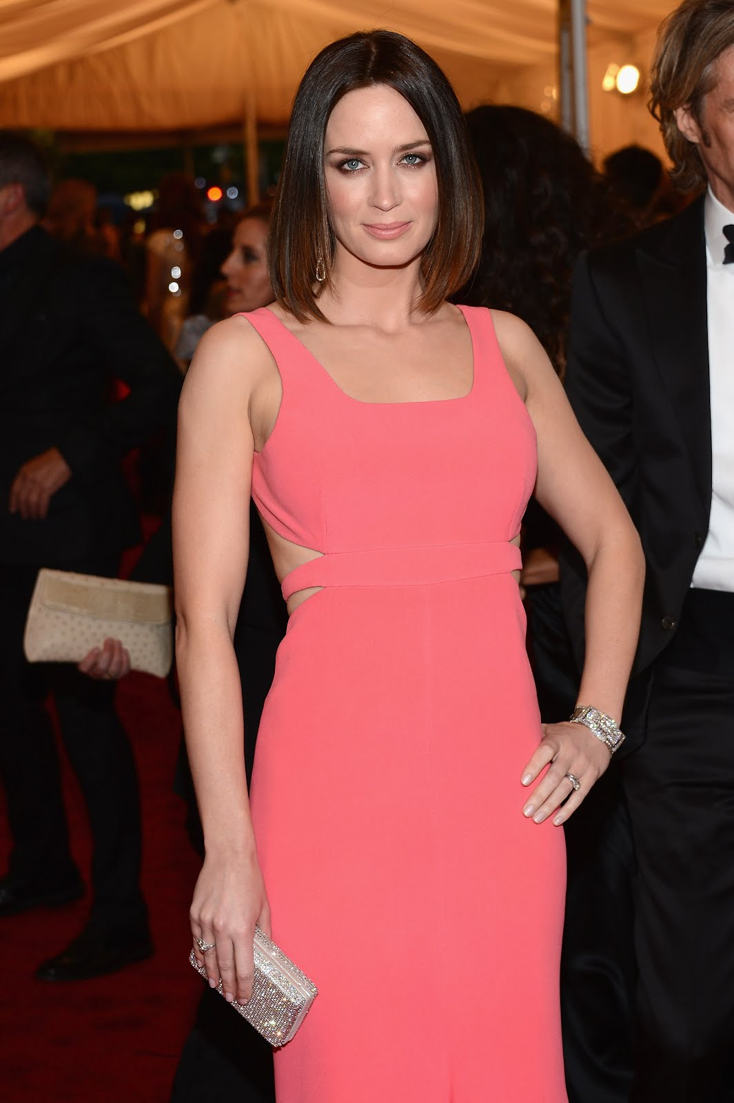 Celebrities Spy: Emily Blunt Wearing A Sexy Pink Gown- 9 Pics