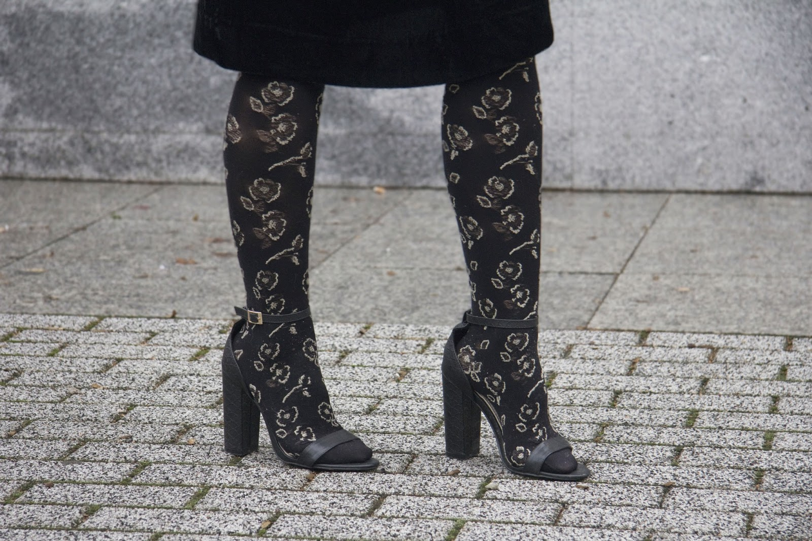 floral tights outfit