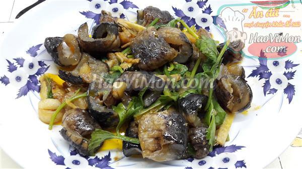 Món hải sâm xào sa tế cay nồng bổ dưỡng