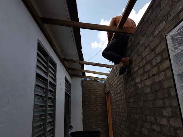 renovate bumbung rumah