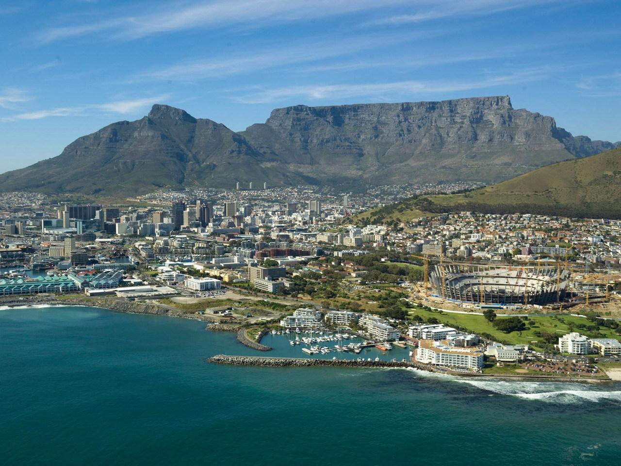 Litsje: What's Happening In Cape Town April 2012