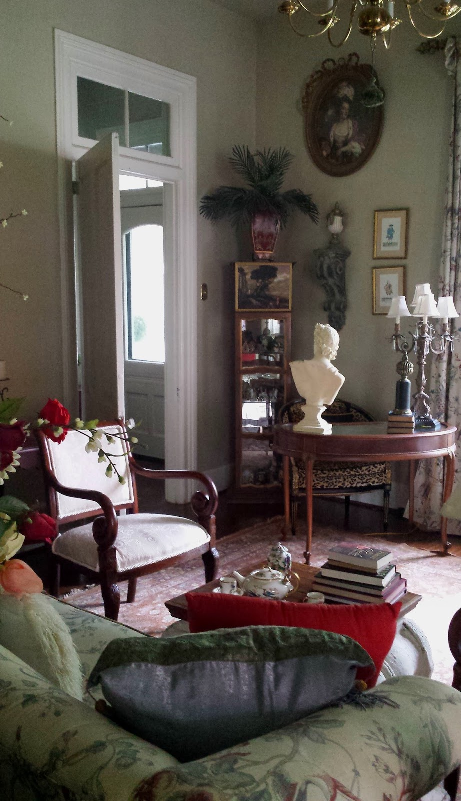 Eye For Design Decorating With Architectural Salvage Corbels