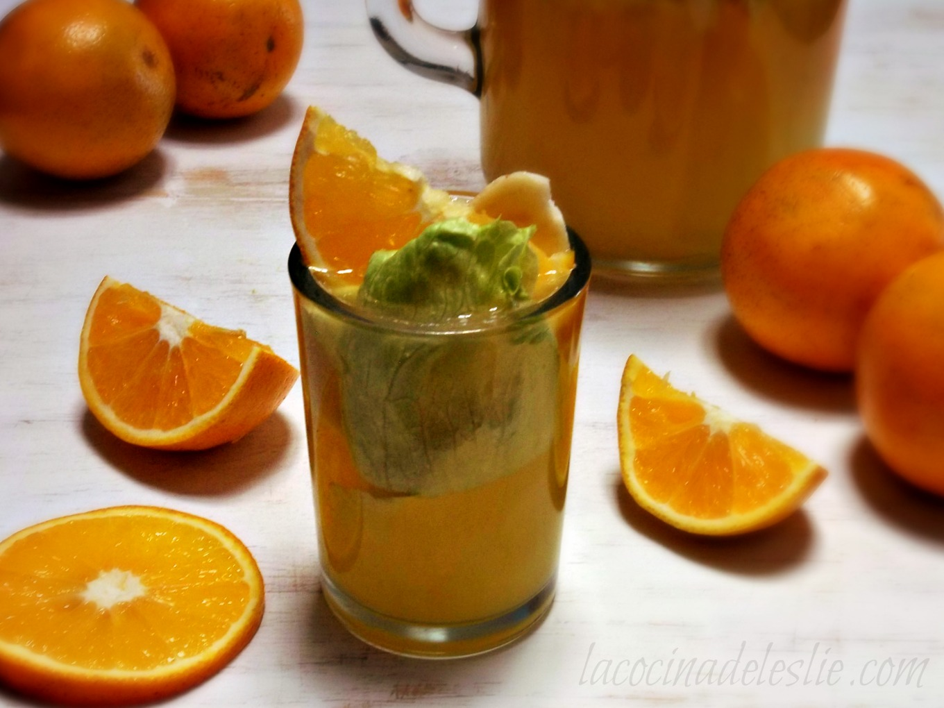 Orange Banana Agua Fresca with Lettuce - lacocinadeleslie.com