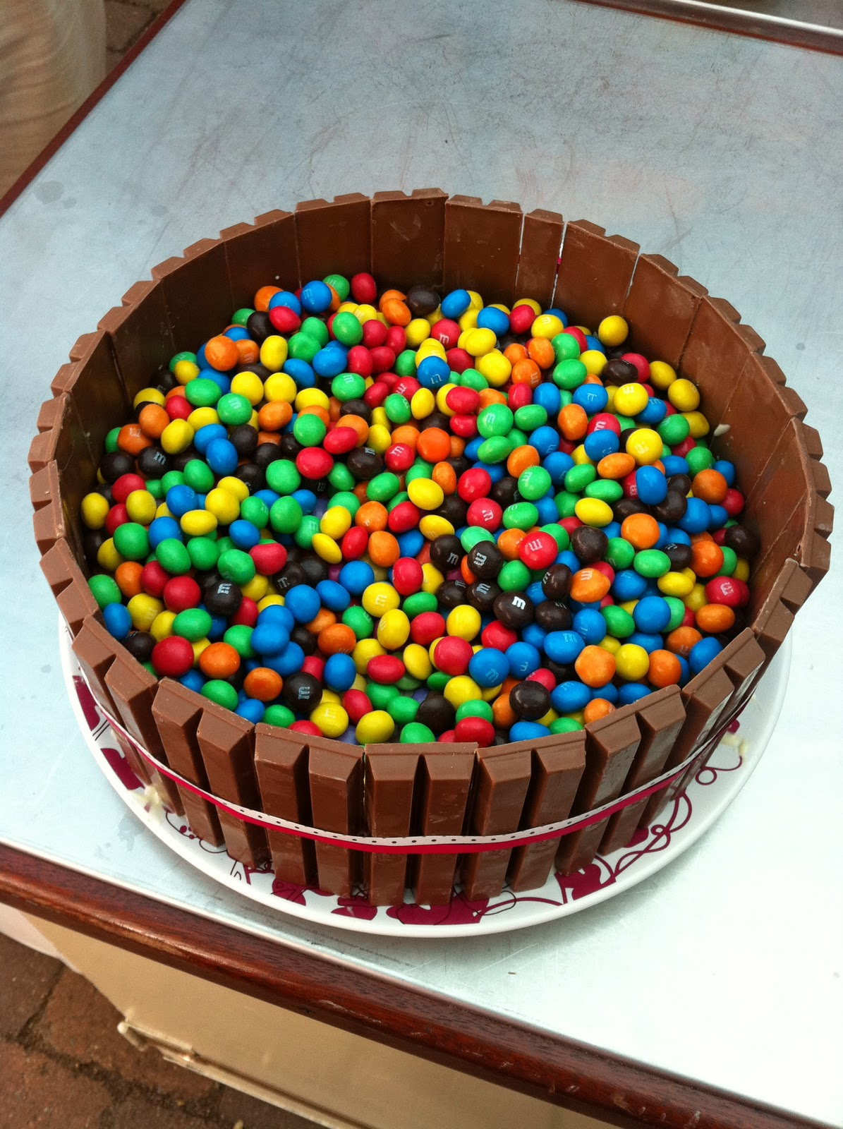 Smarties Kitkat Kuchen Kitkat Smarties Torte Recipe I To Eat