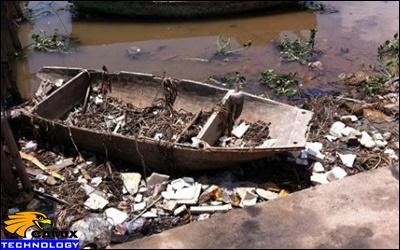 """Sửa chữa đạt tiêu chuẩn hệ thống xử lý nước thải - Rác thải """"bức tử"""" của sông Lạch Vạn"""