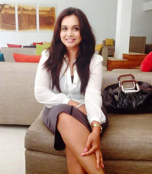 Srilankan Popular Actress and TV Presenter Gayathri Dias