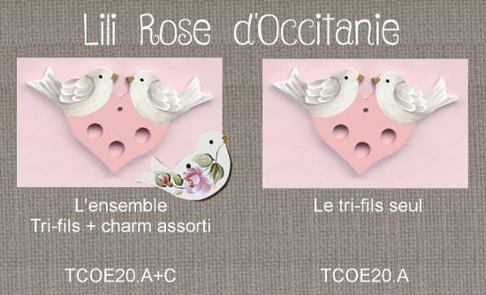 Tri-fil bois peint coeur rose orné de colombes + charm assorti. Broderie et point de croix