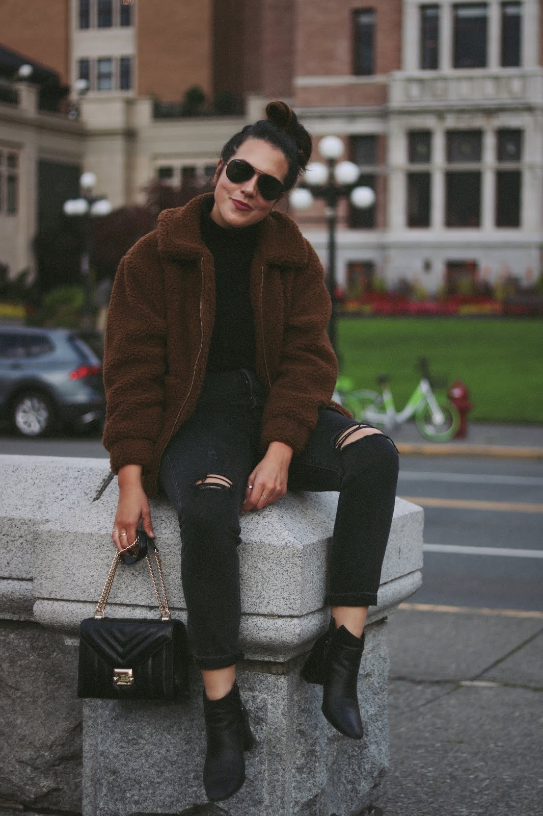Teddy Bear Coat outfit vancouver fashion blogger garage levis wedgie victoria empress hotel
