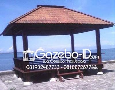 Gazebo Pantai Segi Panjang