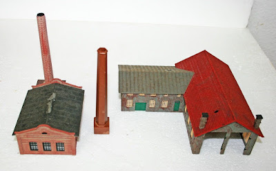 N Gauge Industrial Group of Buildings Factory Pola Engine Shed/Workshop Chimneys picture 1