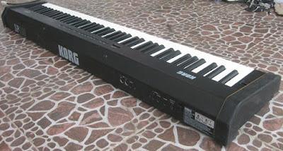 Đàn Piano Điện Korg SP100 hiện nay bán bao nhiêu