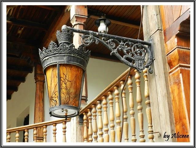 hanul-lui-manuc-bucuresti-lampa