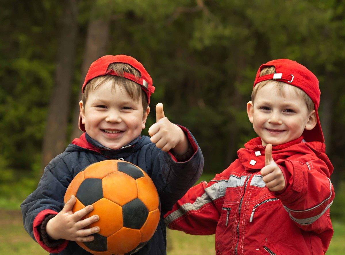 Bài tập phát triển thể chất cho trẻ mầm non: Vượt chướng ngại vật (trẻ 4 đến 5 tuổi)
