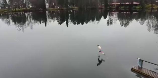 Heboh Video Terekam Cctv Seorang Pria Seperti Ninja Dapat Berlari Di Atas Air.