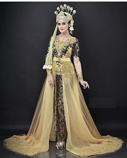 Gaun Kebaya Batik