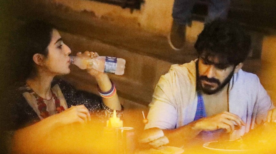 Sara Ali Khan Clicked with Harshvardhan Kapoor on Dinner Date
