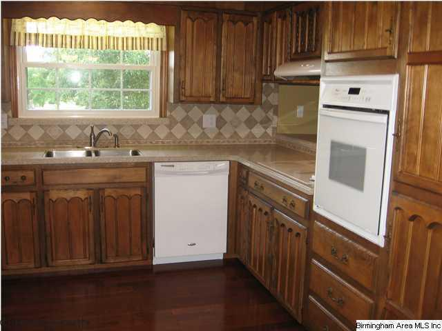 Updating a brown kitchen with paint, color in the kitchen