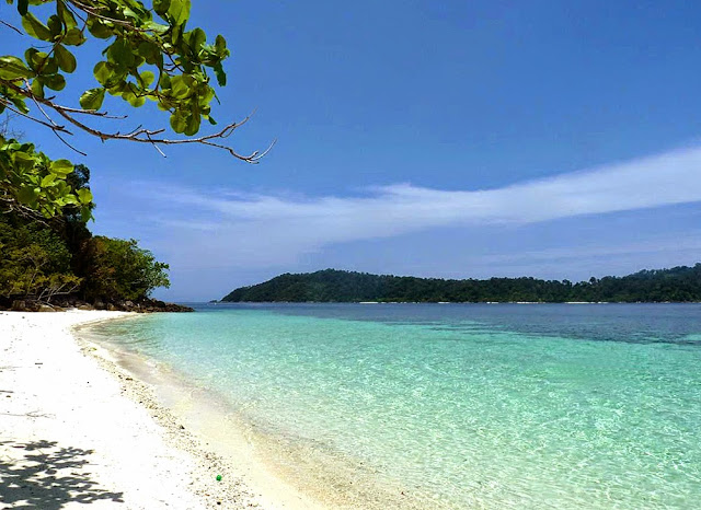 Beach at Koh Rawi Island