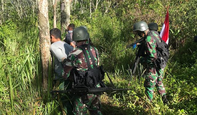 Prajurit Yonif  Raider 303 Kostrad Bekuk Dua Pengedar Narkoba di Garut