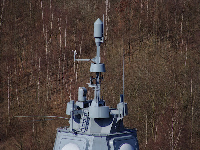 فرقاطة الدفاع الجوي اف 124 Fl1800s